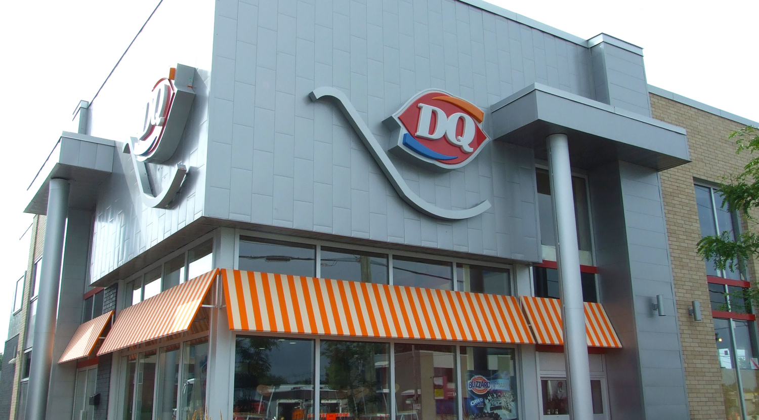 940Dairy-Queen-87-route-116-métal-block-et-MS-9-Égalité-totale-gris-métallique-003-1500x830